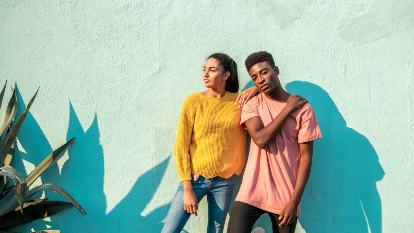 Entenda o significado das cores que você veste e o que elas dizem sobre o seu humor